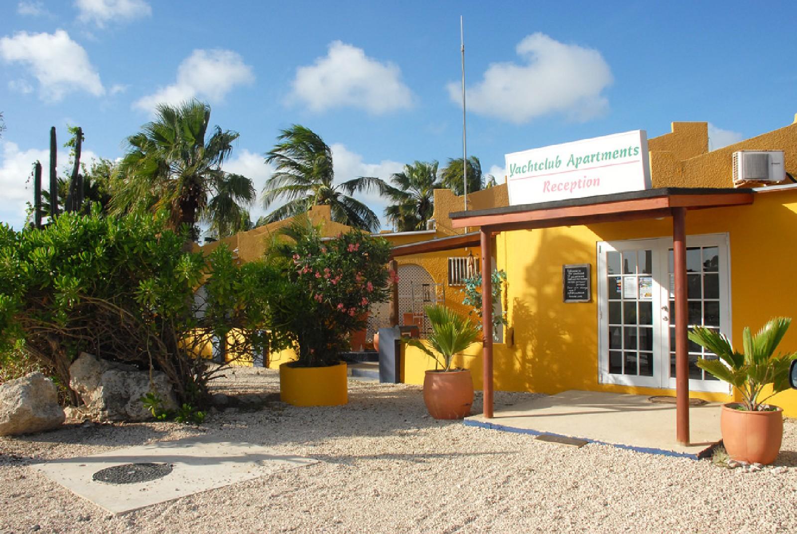 Yachtclub appartementen bonaire   yachtclub is een kleinschalig ...